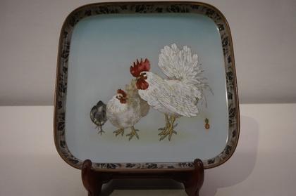 鶏図盆.jpg